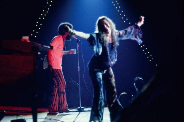 Janis Joplin, a estrela cadente. Morreria um ano depois, como Jimi Hendrix, os dois com 27 anos. A aguardada actuação em Bethel não correu bem. Joplin era viciada em heroína e passou dez horas a beber antes de entrar em palco. Foto de: Getty Images